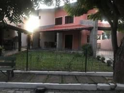 Casa duplex em condomínio com 4 quartos situada no bairro Edson Queiroz
