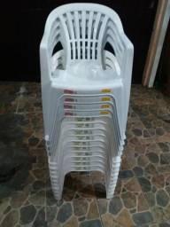 Cadeiras plásticas capacidades 140 kilos