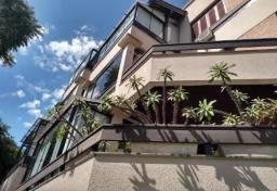 Cobertura semimobiliada com 05 dormitórios no bairro Cavalhada