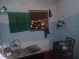 Casa espaçosa só R$250 na Penha Circular