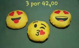Kit de almofadas com 3 emoticon