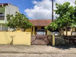 Duas casas geminadas no centro de Itapoá, com ótima localização aceita troca por Joinville