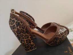 Sandália usada 1×,tamanho:36