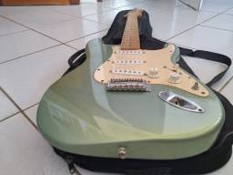Guitarra Fender - Mexicana 2013