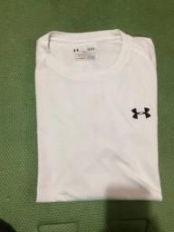 Camisa esportiva Under Armour Branca