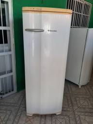 Geladeira Electrolux gelo seco top funcionando perfeitamente bem