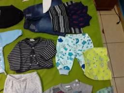 Lote de roupas de bebê semi novas em otimo estado