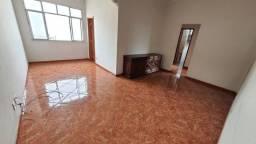 Vendo Apto Lins 3 quartos 2 banheiros 3 lances de escada 95 m²