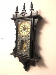 Antigo Relógio de Parede