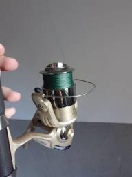 Vendo (Vara de pescar + molite +linha) nunca usado. Por 210 reais.