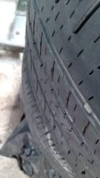 Vendo pneu meia vida
