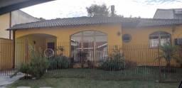 Aluga-se casa no condomínio San Remo em Santa Felicidade