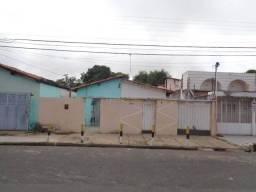 Imóvel geminado duas casas em terreno de 330m² OPORTUNIDADE