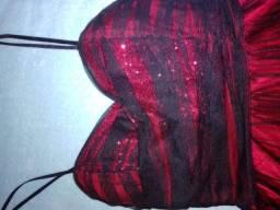 Vestido de festa cor bordo com tulle preto por cima