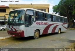Ônibus motor dianteiro