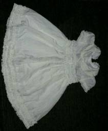 Vestido Branco tecido fino bordado