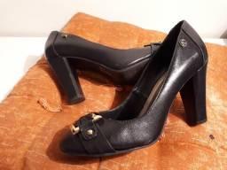 Sapato de couro preto Spatifilus