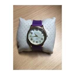 Vendo Relógio roxo Quartz