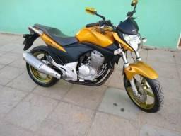Vendo CB 300 - 2010