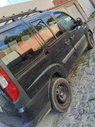 Fiat Doblo essenc 1.8 completa - 2010