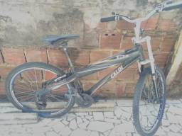 Bicicleta de alumínio