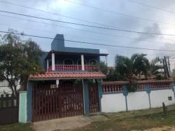 Casarão Dois Andares com Quintal em Iguaba Grande + 03 Quartos + Aceitando Propostas