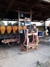 Plantadora adubadora pantográfica