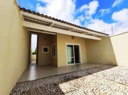 Casa Plana com 3 suítes próximo a Av. Edílson Brasil Soares