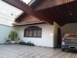 Casa Ponto Comercial - 05 dormitórios - Centro Itapevi