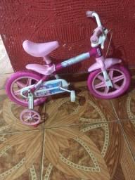 Bicicleta infantil aro 12 (aceito negociações )
