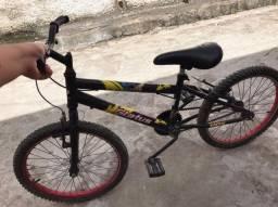 Vendo está bicicleta super promoção Extra