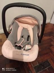 Vendo carrinho de bebê com bebe conforto