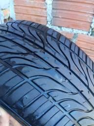 Vendo dois pneus marcas diferentes em bom estado.
