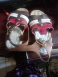 Vendo sandalinha dak numero24 por 25,00