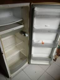 Vendo geladeira Consul 220w