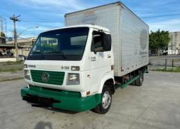 Caminhão 8.120