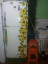 Vendo geladeira da marca BOSH