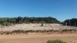 Dois terrenos de frente para o mar, totalmente escriturados, na praia do Ervino S.F.S