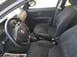 Fiat Palio Attractive 1.4 completo - 2011