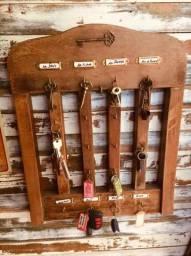 Porta chave madeira antiga