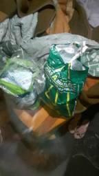 Vendo dois sacos d fralda meu bebe tamanho M