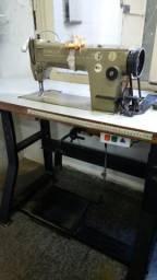 Vendo máquina reta industrial 800,00