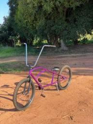 Bicicleta rara estilo americano (lowrider) BRILHA NO ESCURO