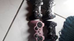 Controles originais de PS3 usado.