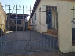 Casa com 2 dorms, Aparecida, Jaboticabal - R$ 150 mil, Cod: 44