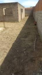 Casa em Construção com Ponto Comercial Pronto