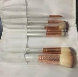 Título do anúncio: Kit com 7pinceis maquiagem