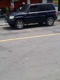 Carro pajero tr4