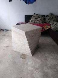 Mesa de mármore travertino