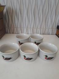 Potinhos de porcelana